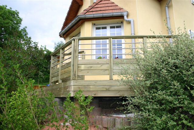 Fabricant alsacien de terrasse bois, au sol et sur poteaux